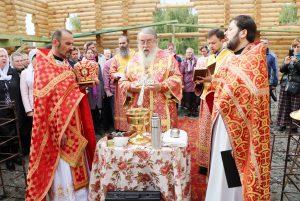 Митрополит Ириней совершил чин на основание церкви
