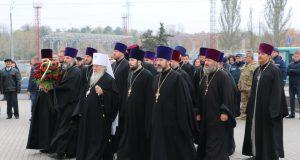 Духовенство епархии почтило память воинов, освободивших г. Днепр 75 лет назад