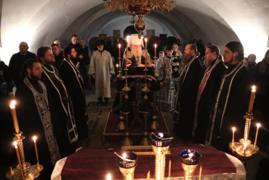 Служение управляющего Днепропетровской епархией митрополита Иринея во вторник первой седмицы Великого поста 2019 года