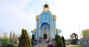 В праздник Похвалы Божией Матери митрополит Ириней посетил г. Павлоград