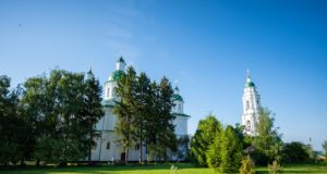 Днепропетровские иерархи приняли участие в торжествах в честь 400-летия Мгарского монастыря (+видео)