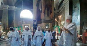 В Троицкую поминальную родительскую субботу митрополит Ириней возглавил богослужение в Свято-Троицком кафедральном соборе г. Днепра