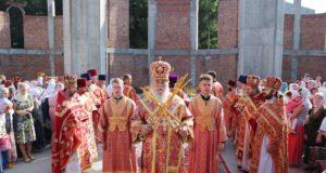 Престольный праздник строящегося храма Великомученика и Целителя Пантелеимона на ж/м Тополь