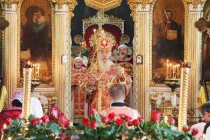 В первый день Успенского поста митрополит Ириней совершил Литургию в Свято-Троицком кафедральном соборе г.Днепра