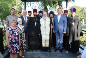 Днепропетровский архипастырь освятил часовню на месте разрушеного собора в Павлограде