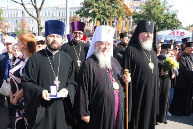 Секретарь епархии награжден нагрудным знаком