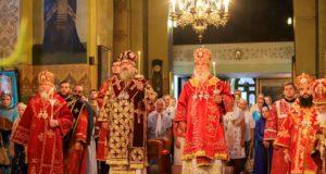 Накануне дня Небесного покровителя митрополита Иринея в Свято-Троицком кафедральном соборе г. Днепра состоялось всенощное бдение
