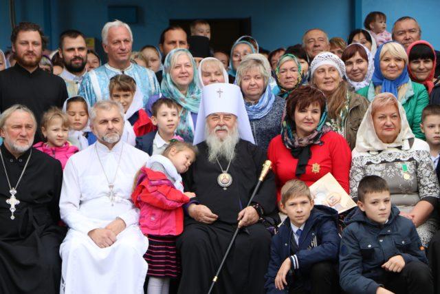 У всіх храмах та монастирях Української Православної Церкви помоляться за дітей-сиріт (+тексти молитов)