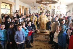 В Неделю 24-ю по Пятидесятнице митрополит Ириней посетил храм в честь Архистратига Михаила в с. Волосское Днепровского района