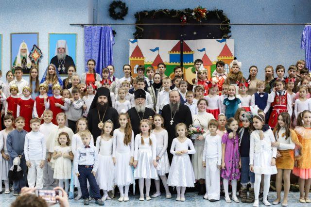 Рождественский утренник воскресной школы «Источник» возрождаемого Успенского собора