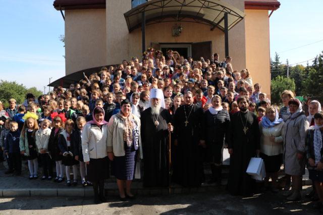 Митрополит Ириней посетил общину в честь мучениц Веры, Надежды, Любови и матери их Софии пгт. Обуховка Днепровского района